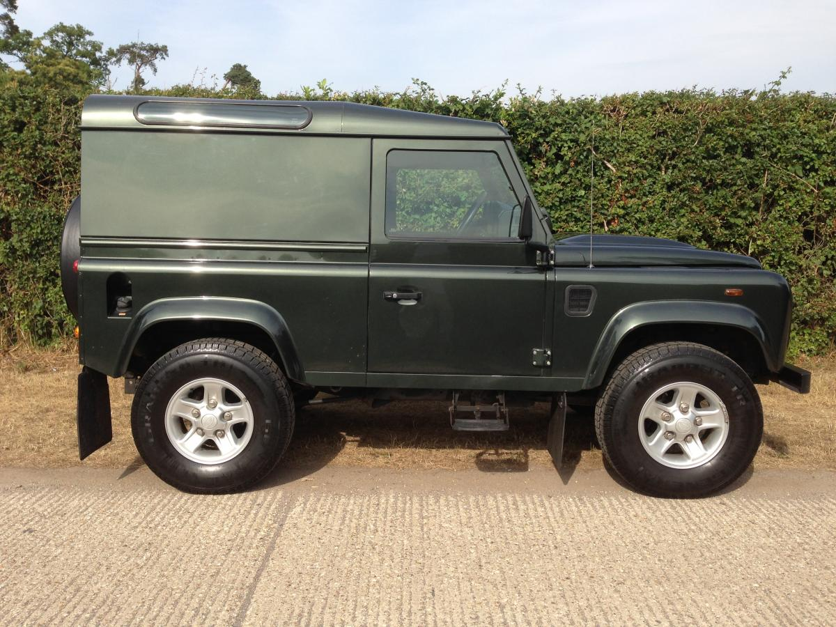 Land Rover Defender 2.4 2007 photo - 6