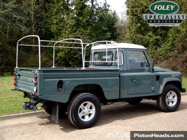 Land Rover Defender 2.4 2007 photo - 8