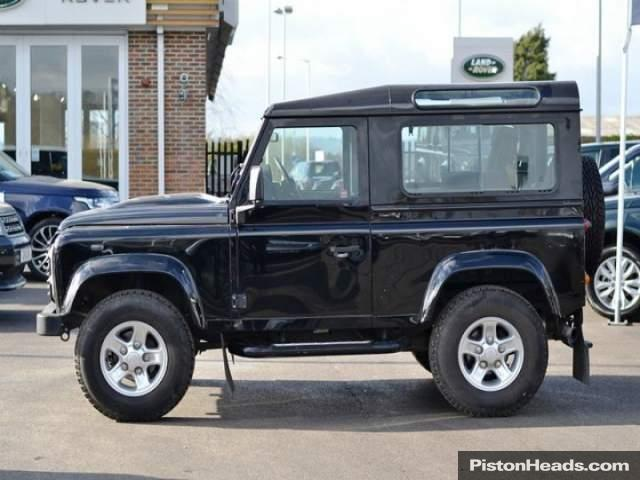 Land Rover Defender 2.4 2011 photo - 11