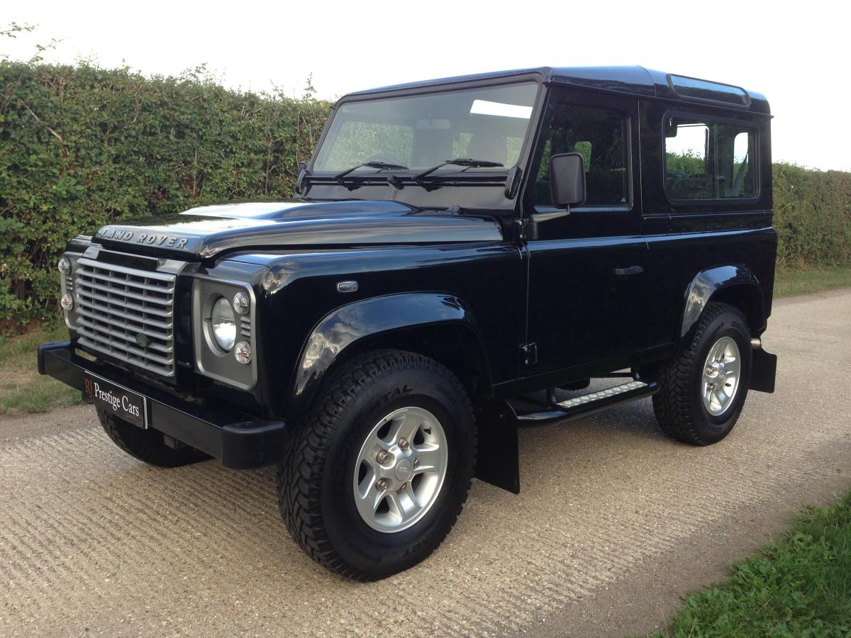 Land Rover Defender 2.4 2011 photo - 4