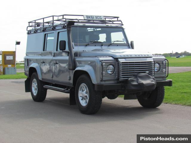 Land Rover Defender 2.4 2011 photo - 6