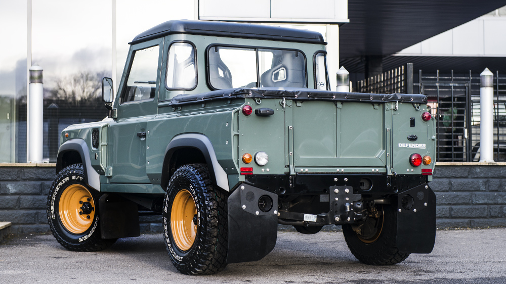 Land Rover Defender 2.4 2011 photo - 9