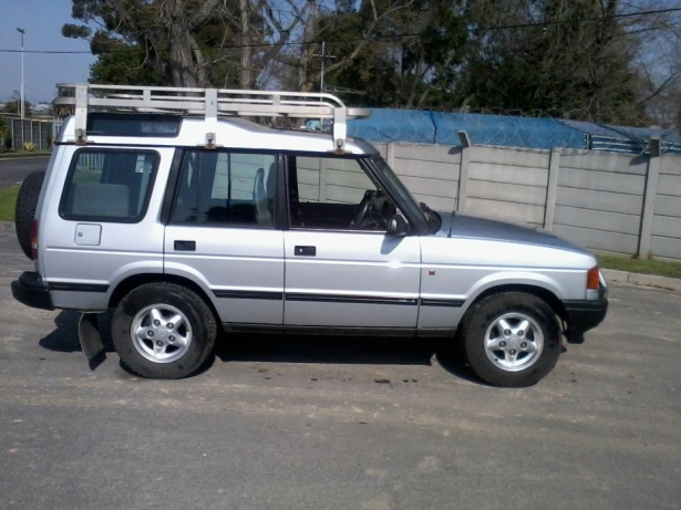 Land Rover Discovery 2.0 1996 photo - 10