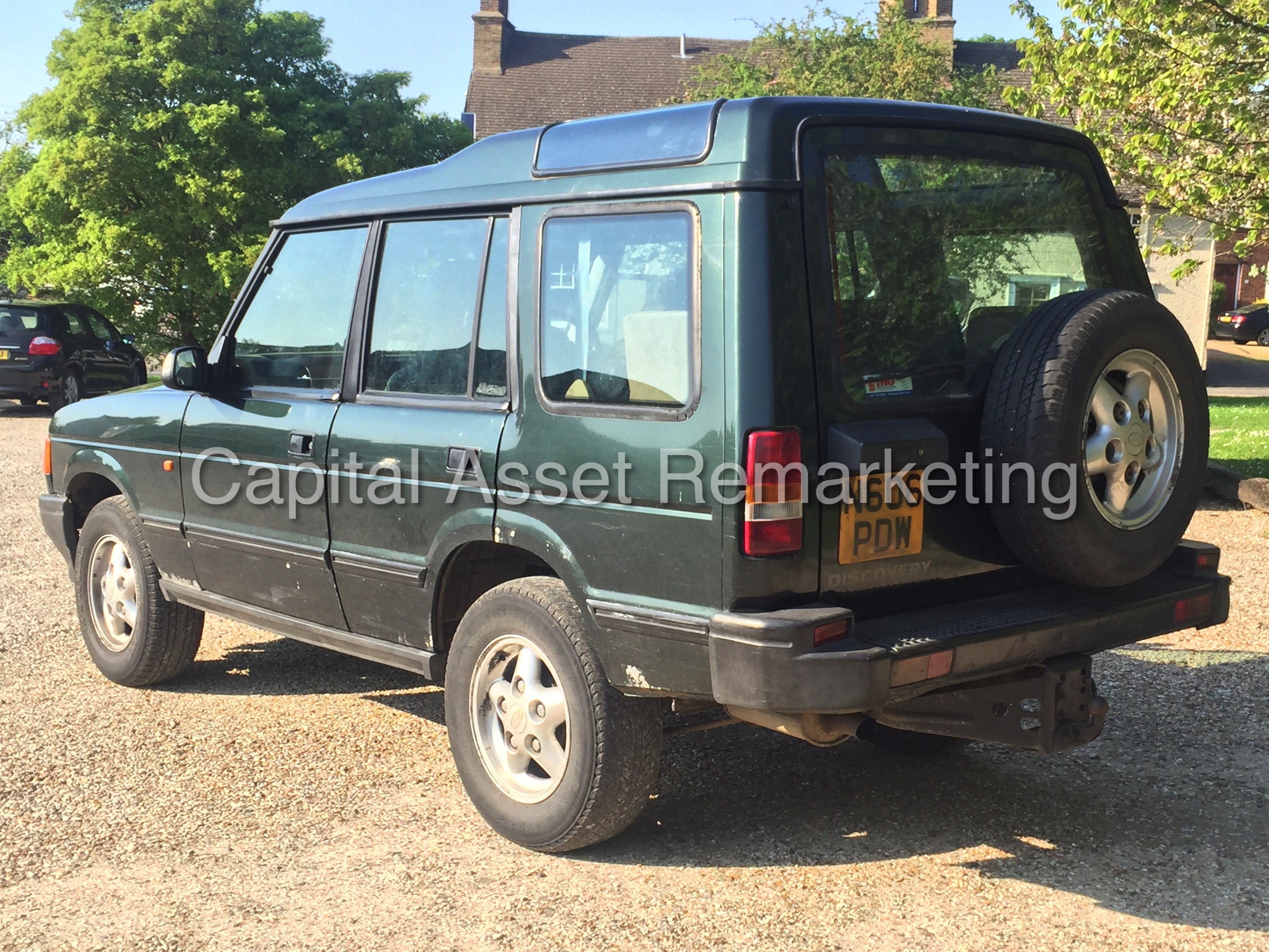 Land Rover Discovery 2.0 1996 photo - 12