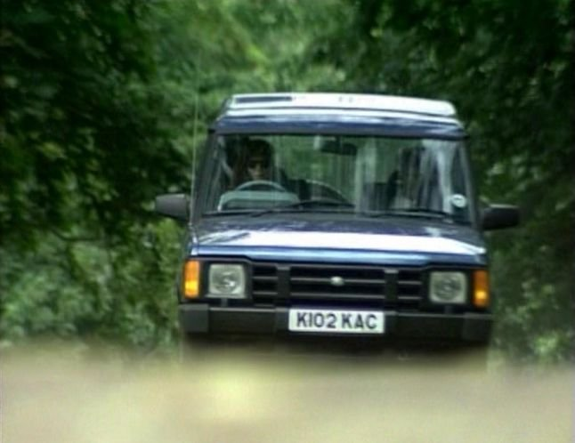 Land Rover Discovery 2.5 1995 photo - 3