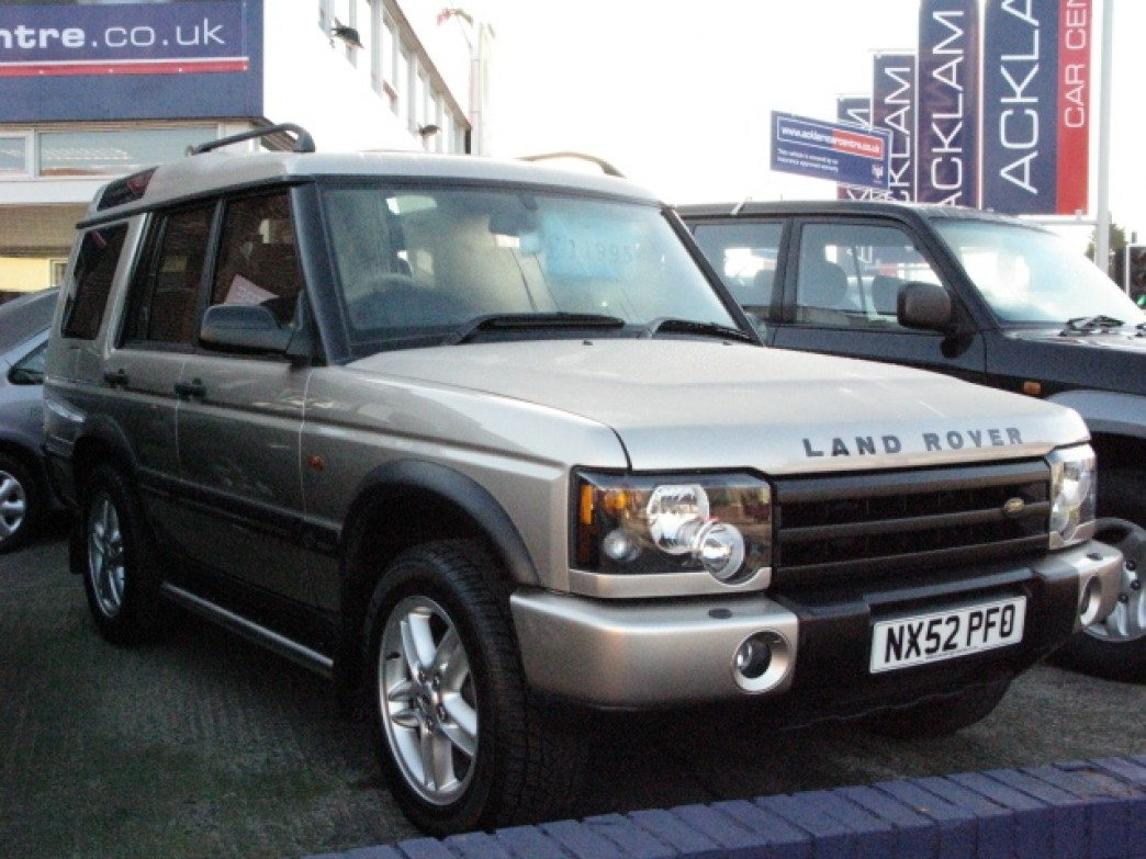 Land Rover Discovery 2.5 2002 photo - 8