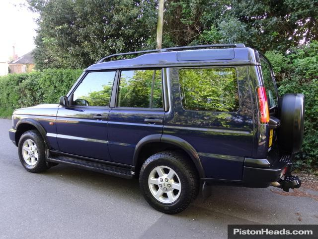 Land Rover Discovery 2.5 2003 photo - 11