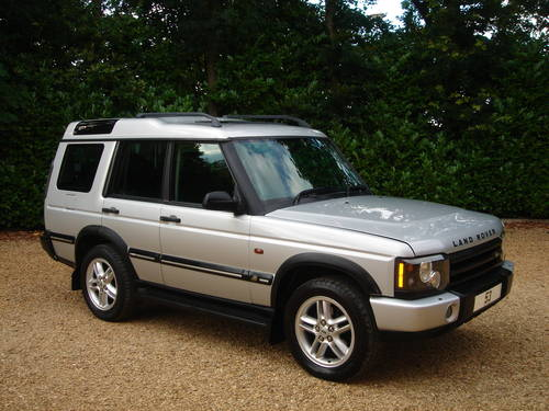 Land Rover Discovery 2.5 2003 photo - 4