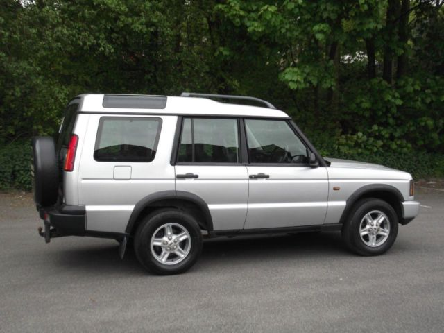Land Rover Discovery 2.5 2003 photo - 9