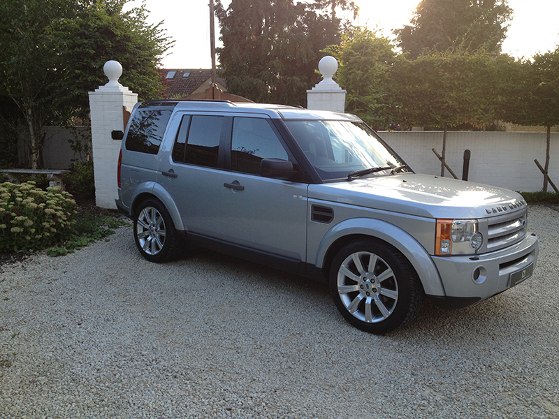 Land Rover Discovery 2.7 2009 photo - 2