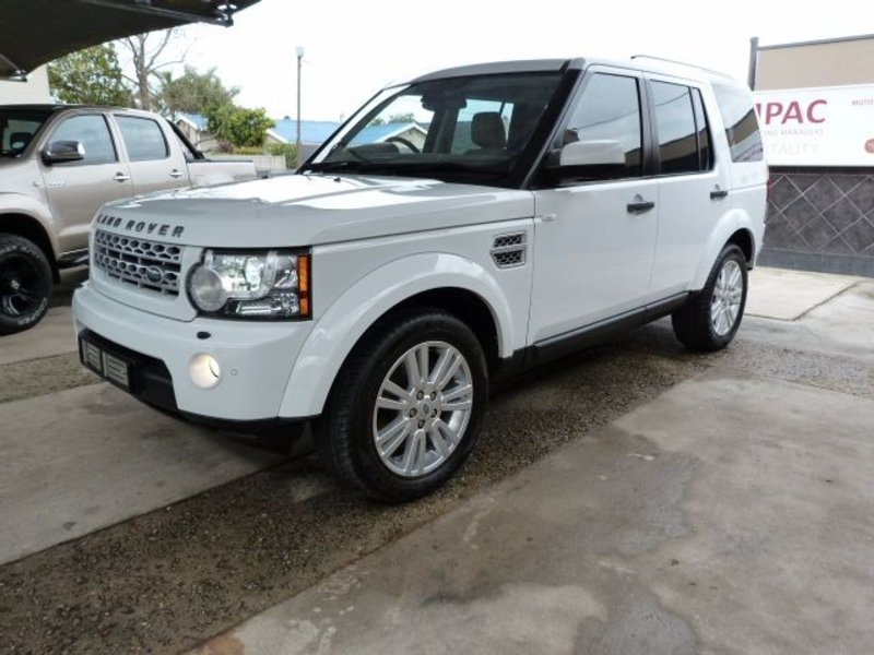 Land Rover Discovery 3.0 2012 photo - 9