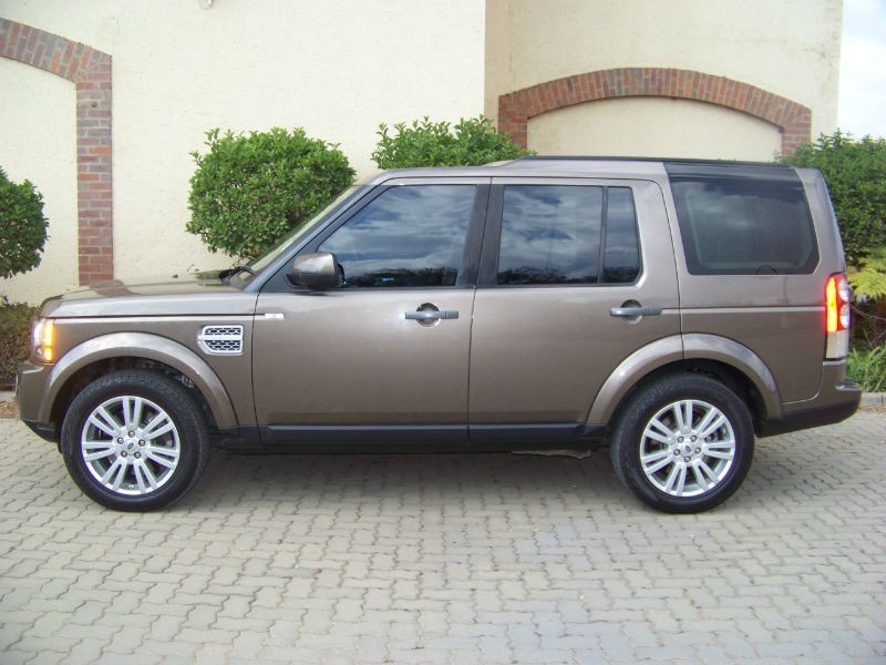 Land Rover Discovery 3.0 2013 photo - 4