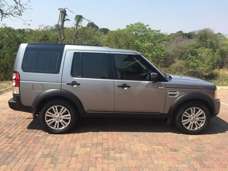 Land Rover Discovery 3.0 2013 photo - 6