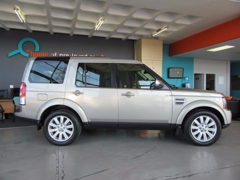 Land Rover Discovery 3.0 2013 photo - 9