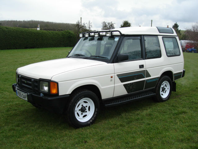 Land Rover Discovery 3.5 1993 photo - 3