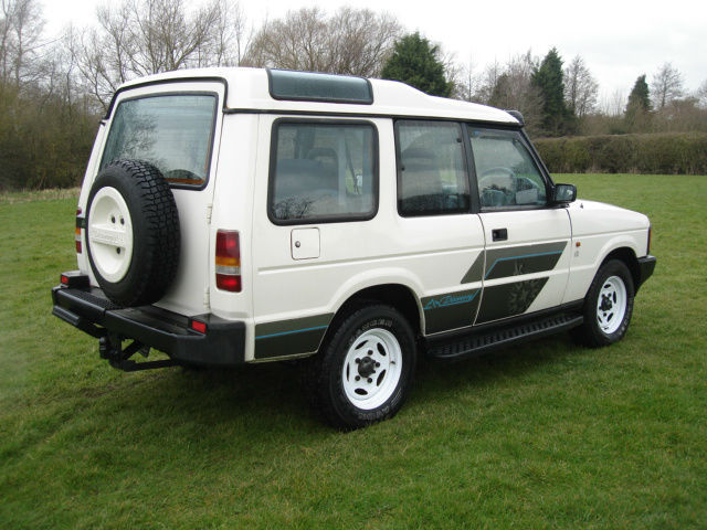 Land Rover Discovery 3.5 1993 photo - 4