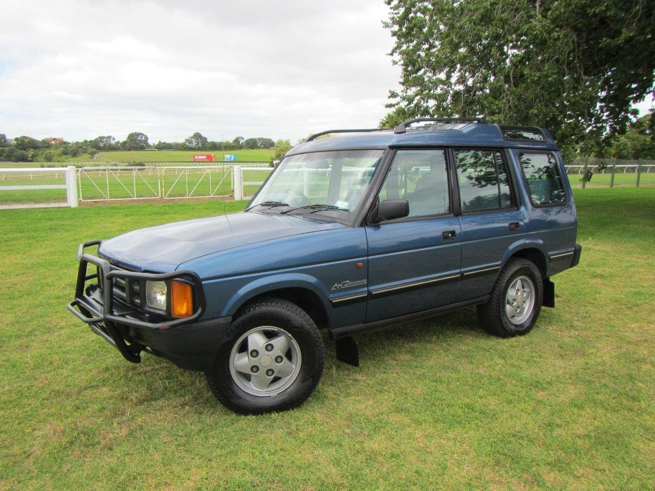 Land Rover Discovery 3.5 1993 photo - 7
