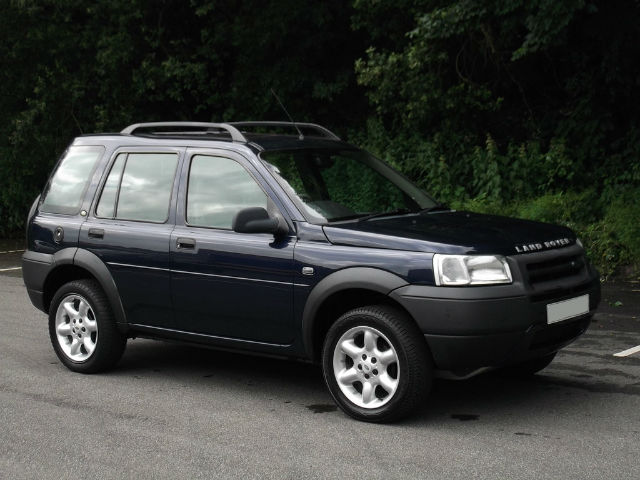 Land Rover Freelander 2.0 2003 photo - 11