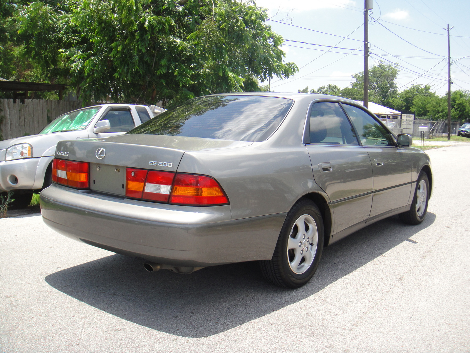 Lexus ES 250 1999 photo - 9