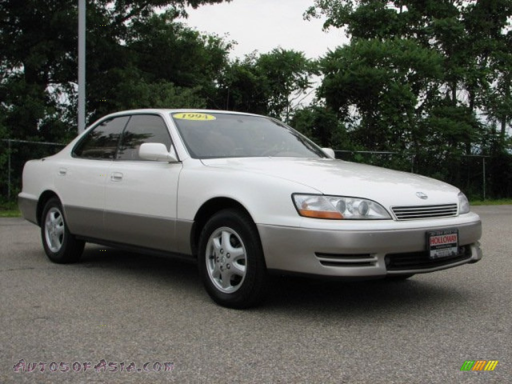 Lexus ES 300 1994 photo - 12