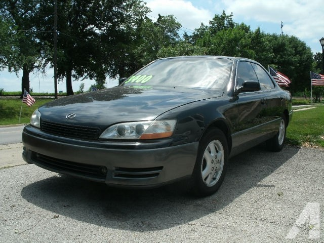 Lexus ES 300 1994 photo - 2