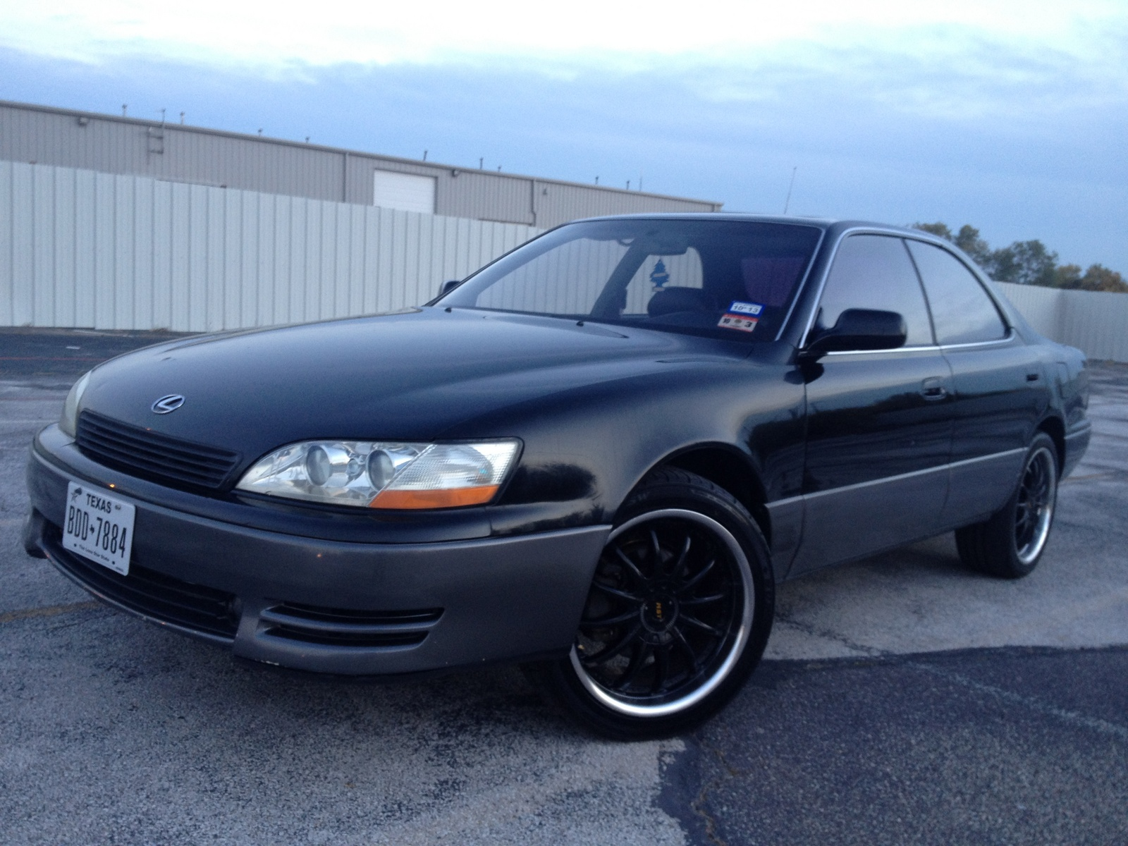 Lexus ES 300 1994 photo - 3