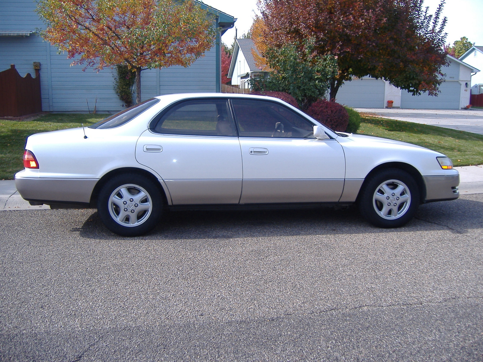 Lexus ES 300 1995 photo - 5