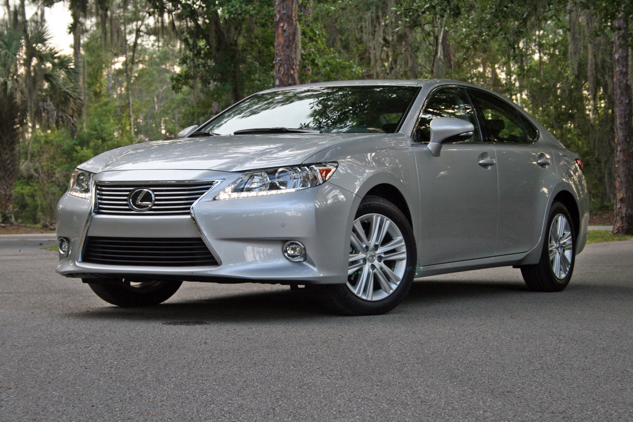 Lexus ES 350 2014 photo - 3