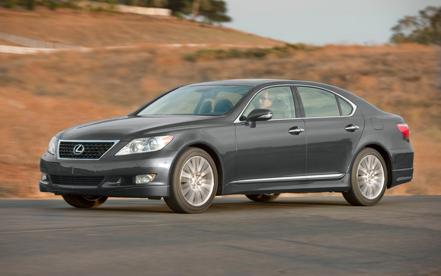 Lexus LS 460 2012 photo - 6