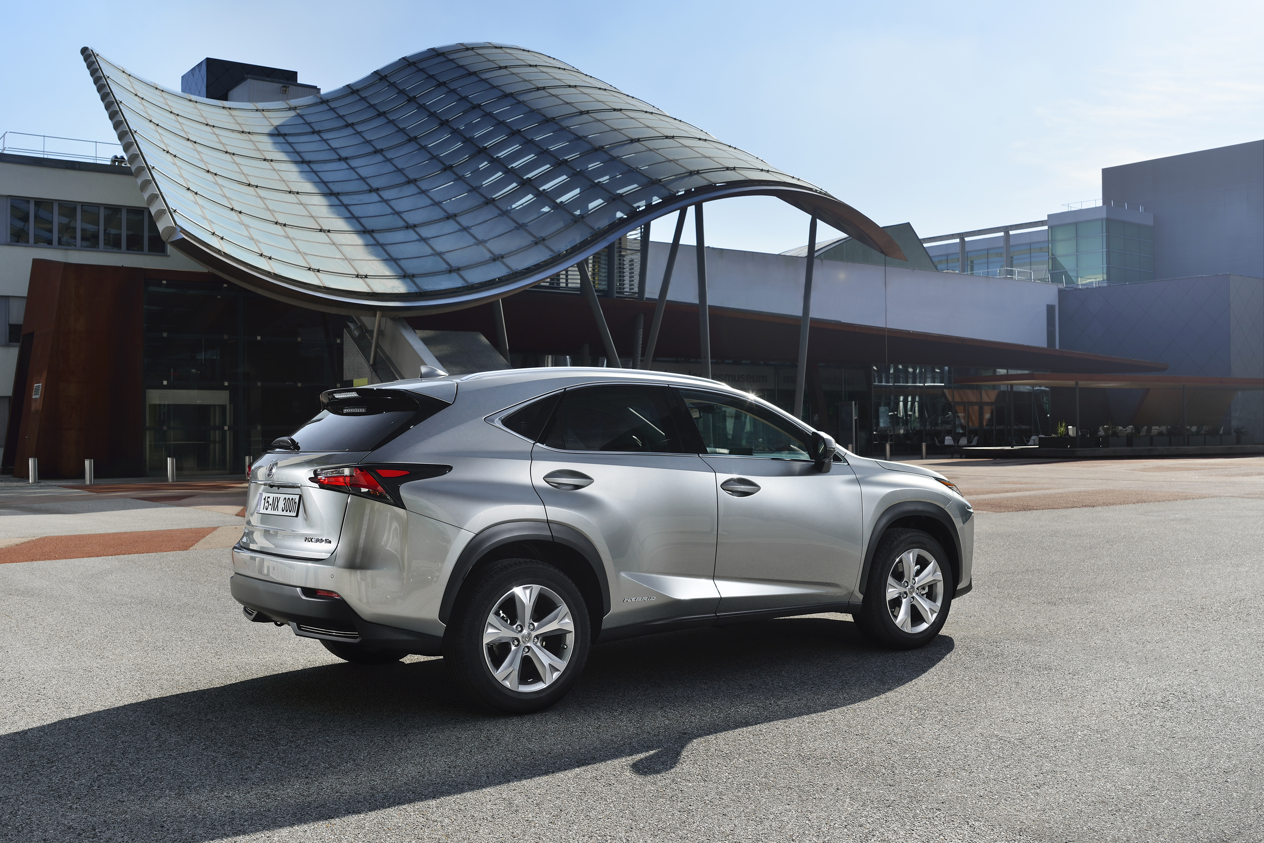 Lexus NX 300h 2014 photo - 8