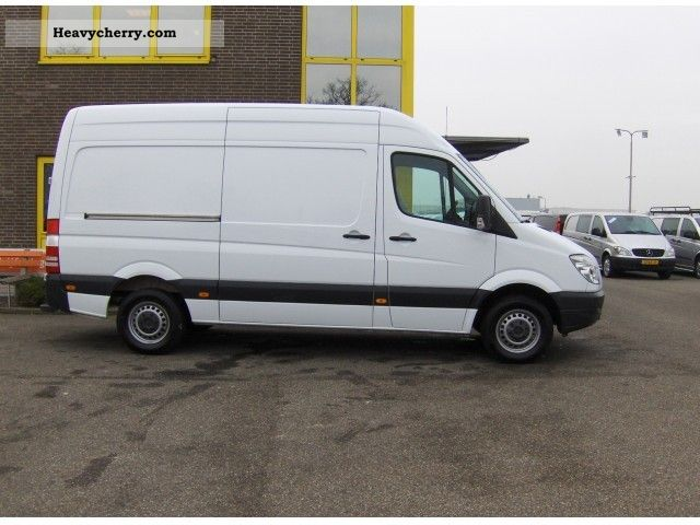 Mercedes-Benz Sprinter 210 2010 photo - 10