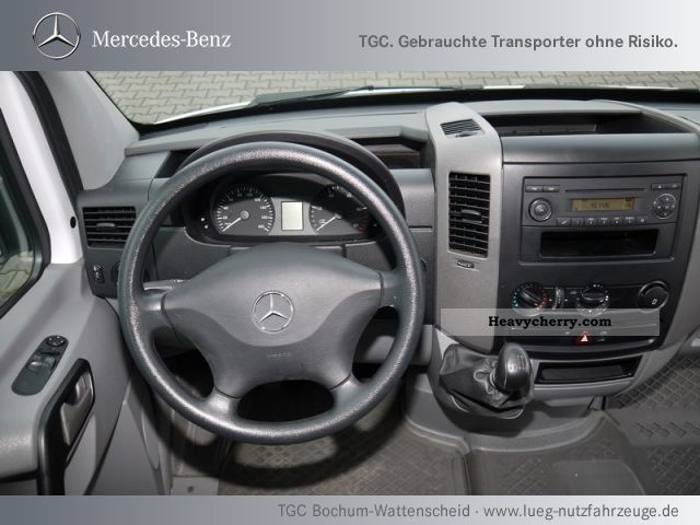 Mercedes-Benz Sprinter 210 2010 photo - 9