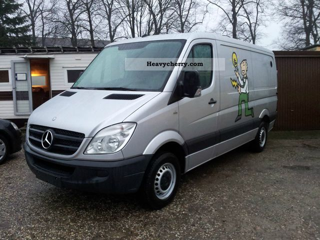 Mercedes-Benz Sprinter 211 2008 photo - 2