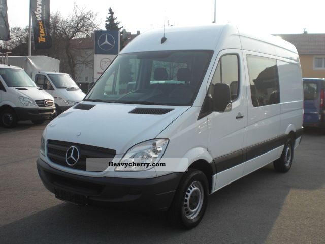 Mercedes-Benz Sprinter 211 2008 photo - 3