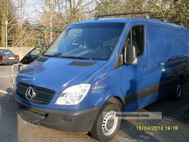 Mercedes-Benz Sprinter 211 2009 photo - 1