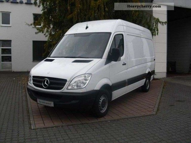 Mercedes-Benz Sprinter 211 2009 photo - 2