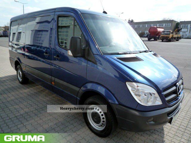 Mercedes-Benz Sprinter 211 2009 photo - 3