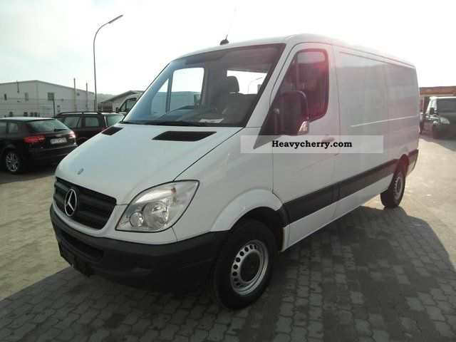 Mercedes-Benz Sprinter 211 2009 photo - 4