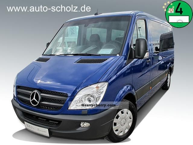 Mercedes-Benz Sprinter 215 2011 photo - 1