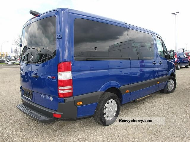Mercedes-Benz Sprinter 215 2011 photo - 3
