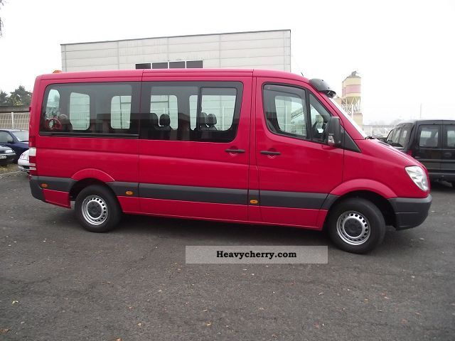 Mercedes-Benz Sprinter 215 2012 photo - 5