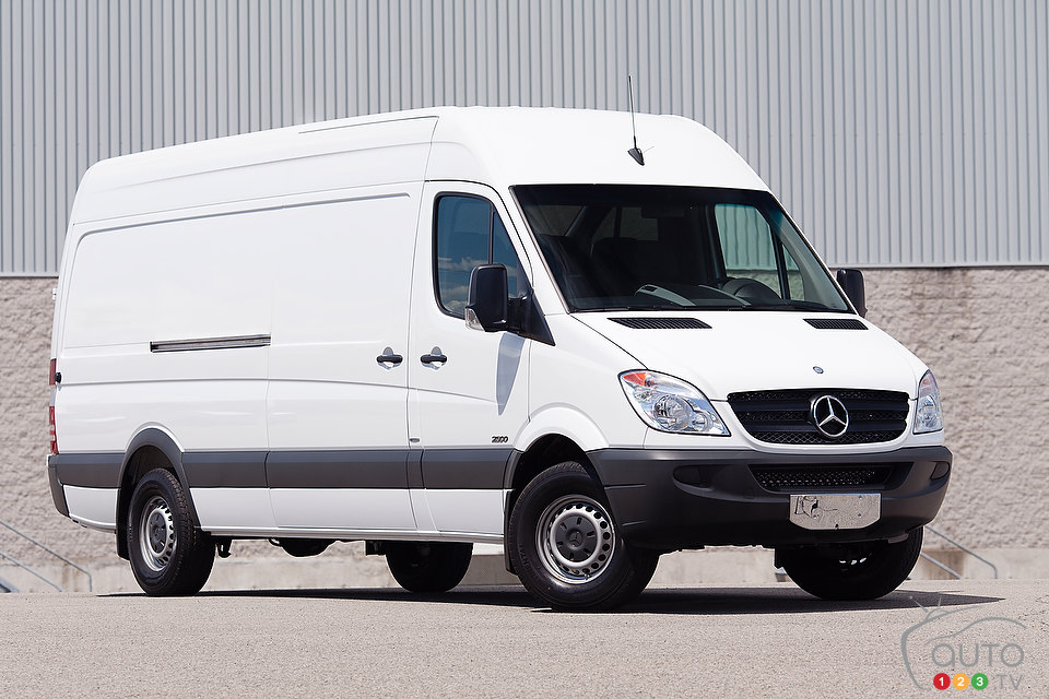 Mercedes-Benz Sprinter 215 2012 photo - 6