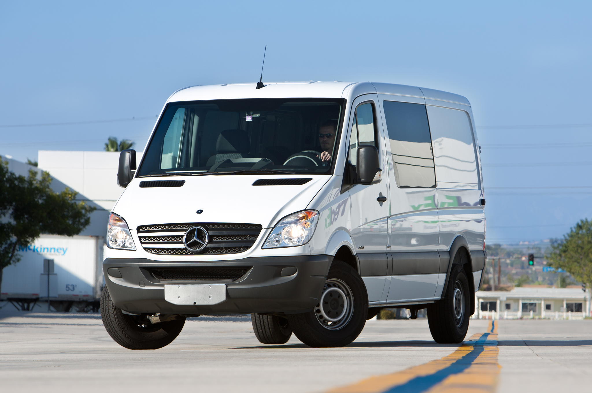 Mercedes-Benz Sprinter 215 2012 photo - 7