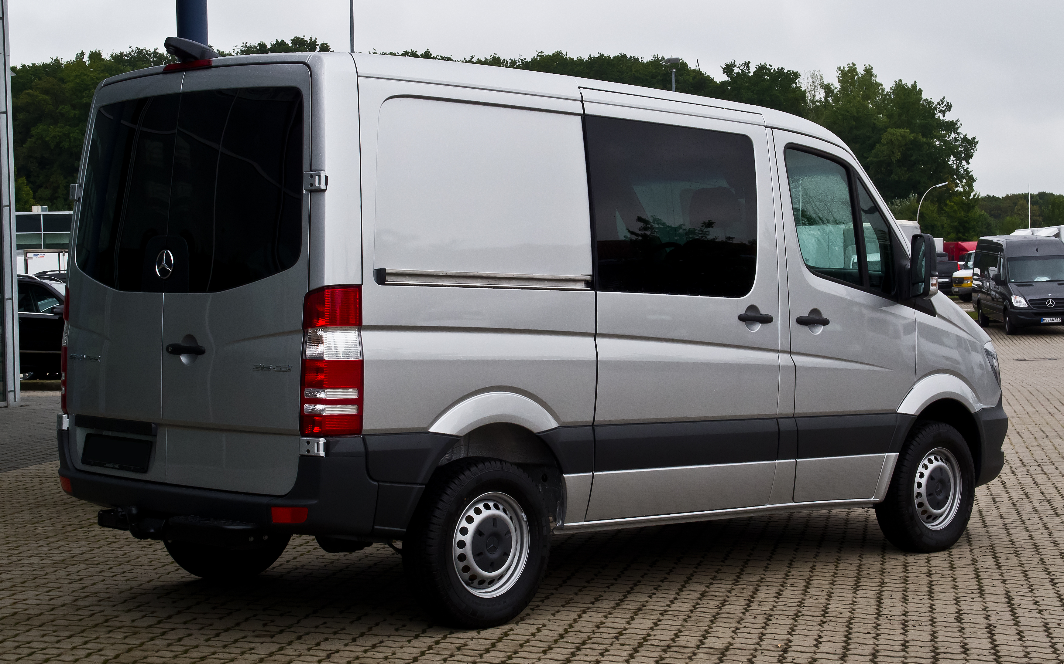 Mercedes-Benz Sprinter 216 2014 photo - 2