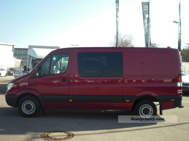 Mercedes-Benz Sprinter 218 2012 photo - 1