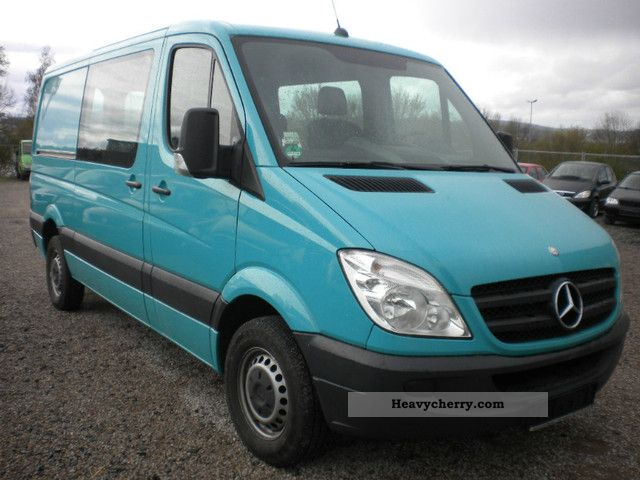 Mercedes-Benz Sprinter 218 2012 photo - 2