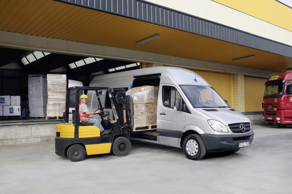 Mercedes-Benz Sprinter 218 2013 photo - 10