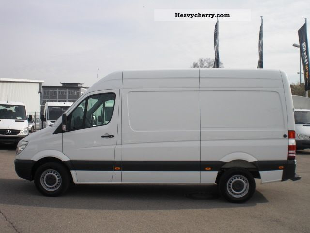 Mercedes-Benz Sprinter 219 2009 photo - 1