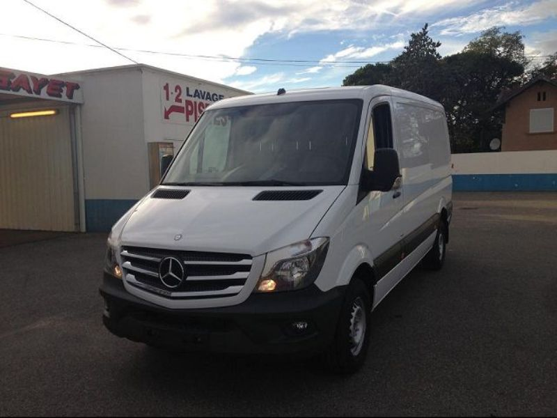 Mercedes-Benz Sprinter 219 2011 photo - 1