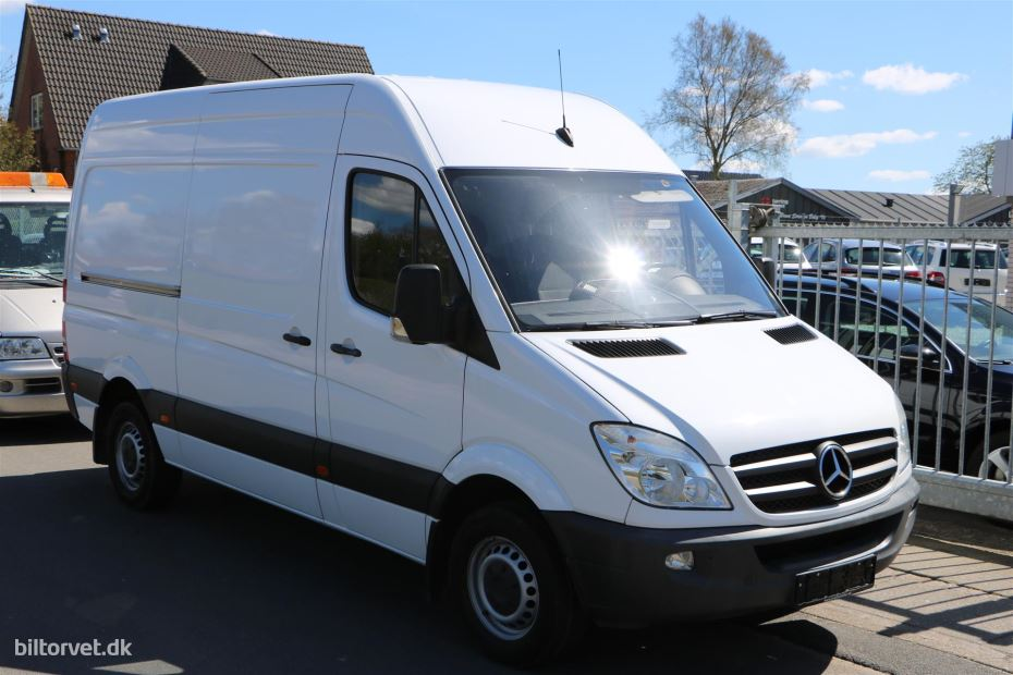 Mercedes-Benz Sprinter 219 2011 photo - 7